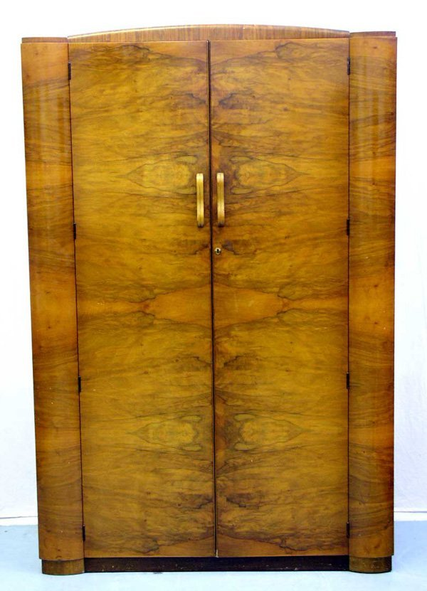 1006: An Edwardian Wardrobe