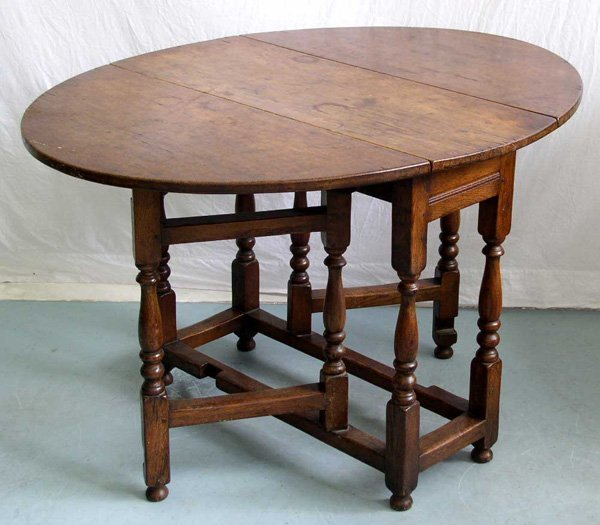 1018: A 19th Century Gateleg Table