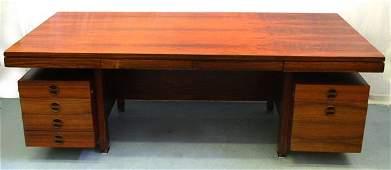 2021: A Vintage Rosewood Desk