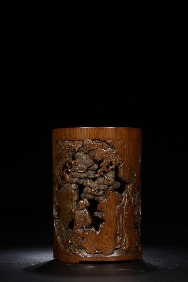 BAMBOO HOLLOW CARVING PEN HOLDER