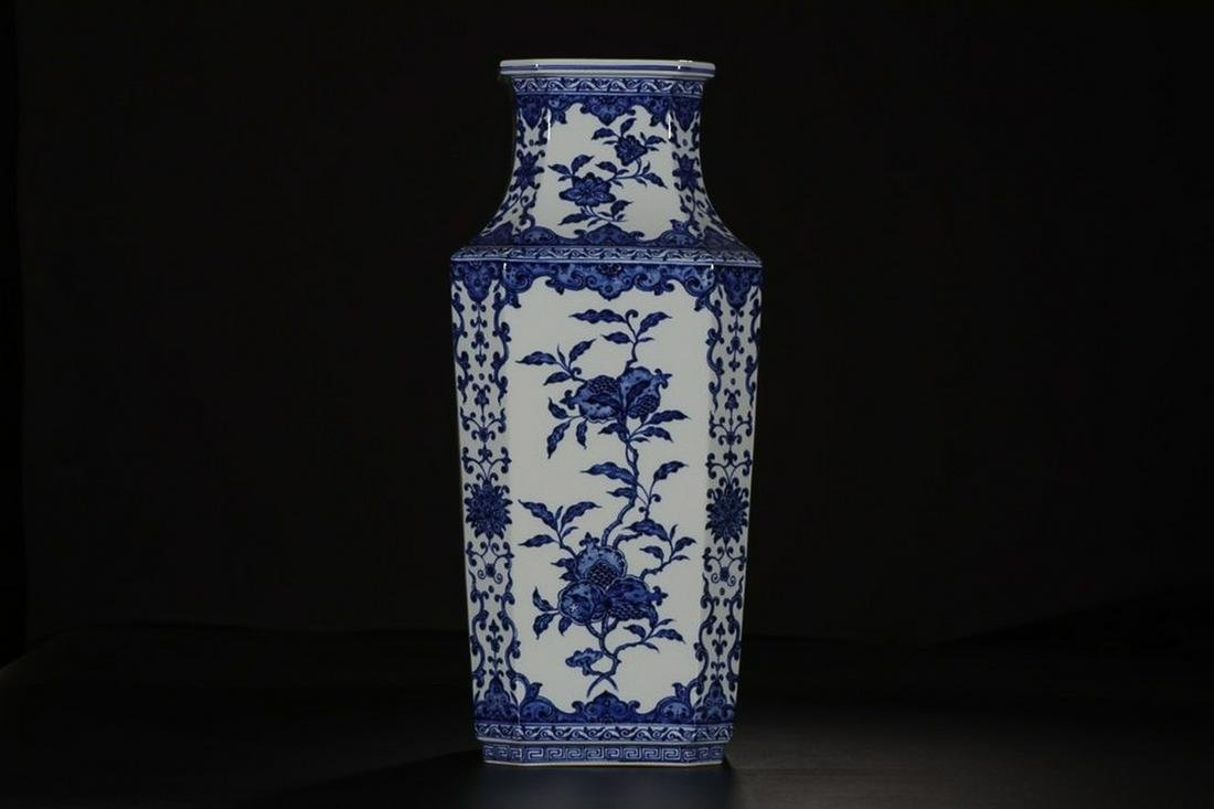 QIANLONG MARK BLUE WHITE SQUARE VASE WITH FLOWERS AND
