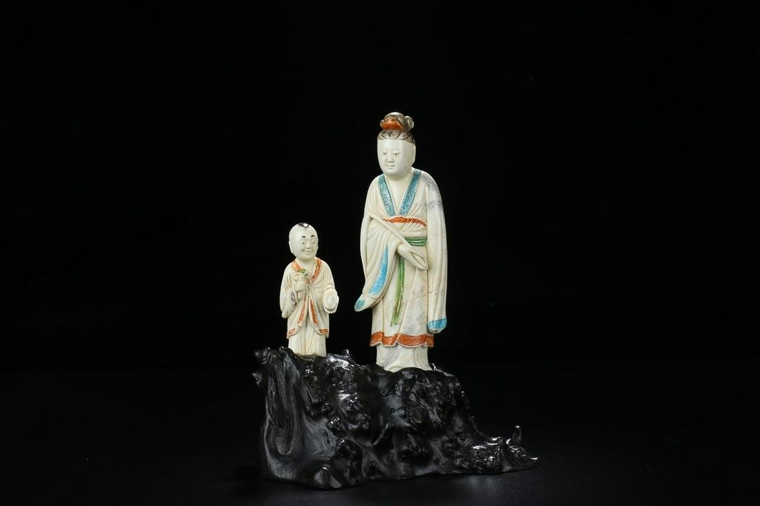 QING DYNASTY SHOUSHAN STONE CARVING COLORED FIGURE