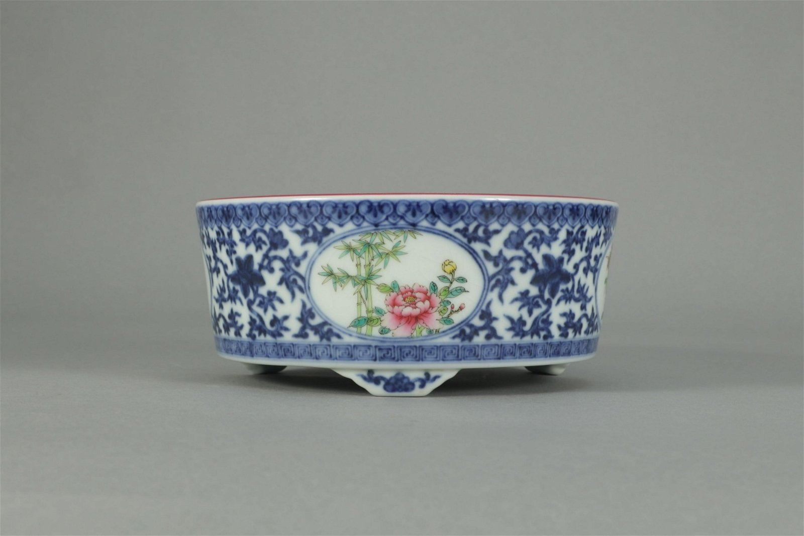 YONGZHENG MARK BLUE WHITE FAMILLE ROSE FLOWERS AND