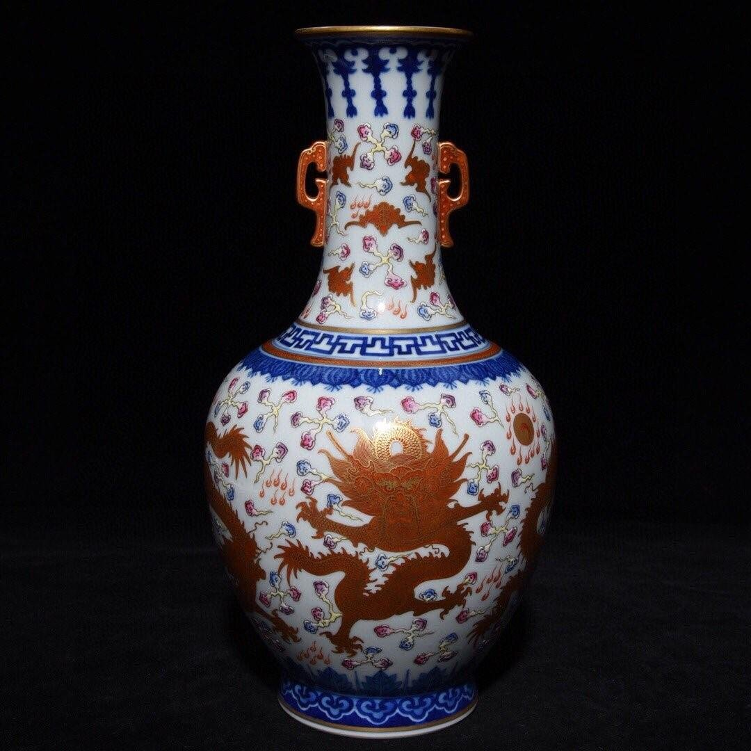 QIANLONG MARK BLUE WHITE FAMILLE ROSE IRON RED GLAZED