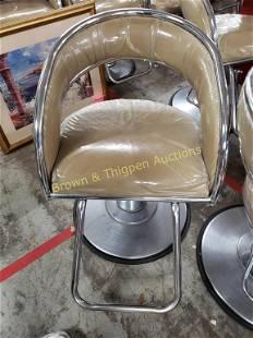 StylingSalon Chair