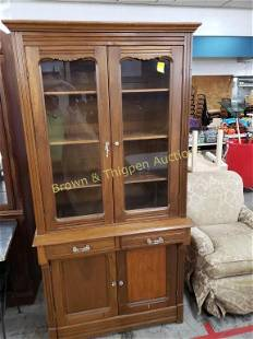 China Hutch with 2 drawers and 2 doors below