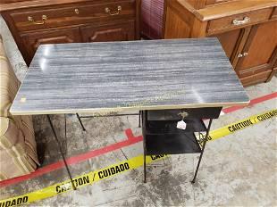 Vintage Metal Desk with 1 drawer