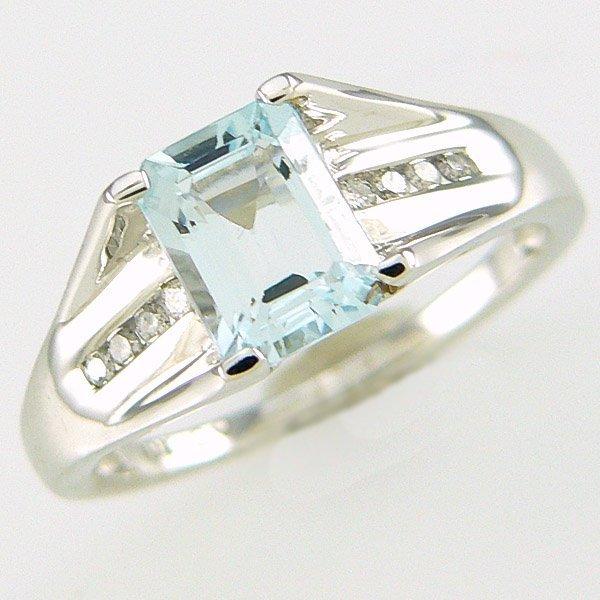 11045: 10KT AQUAMARINE & DIAMOND 0.08CT RING SZ 7.5