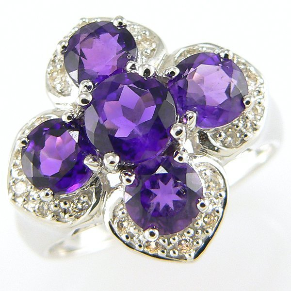 21220: 14KW AMETHYST & DIAMOND RING 0.18CT SZ 7