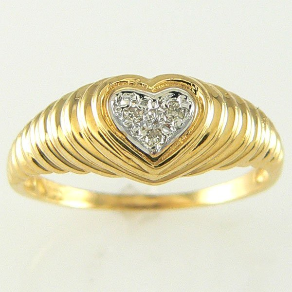 1014: 14KT DIAMOND HEART RING 0.03TCW SZ 7