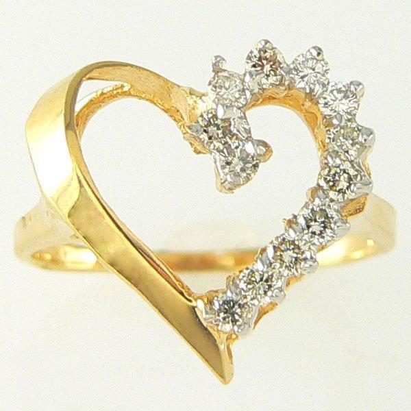1026: 14KT DIAMOND HEART RING 0.30TCW SZ 7