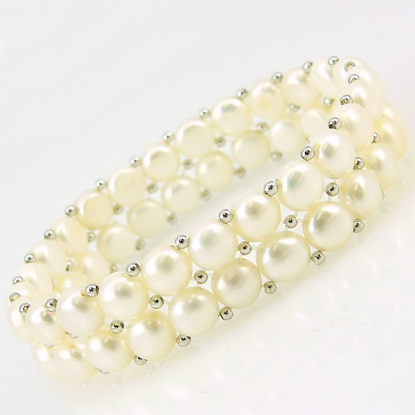 40026: DOUBLE ROW CFW BUTTON PEARL STRETCH BRACELET