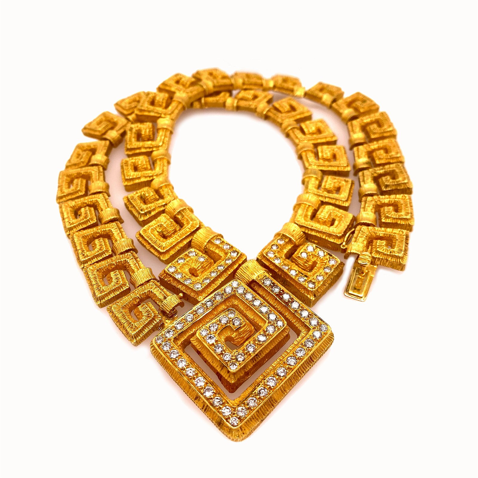 18 k yellow Gold and Diamonds Greek Necklace