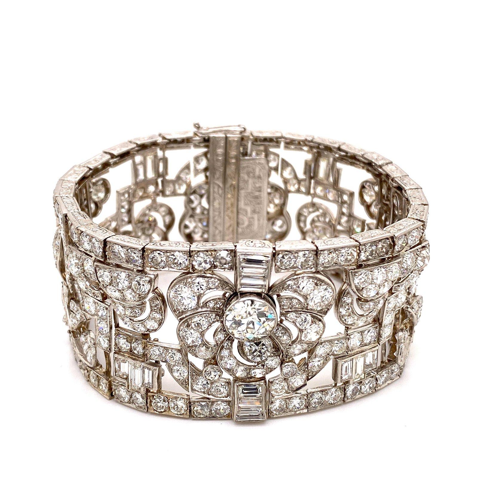 18 k White Gold, Platinum and Diamonds Art Deco