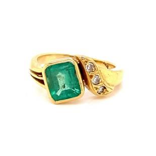Old 18k Colombian Emerald Diamond Ring
