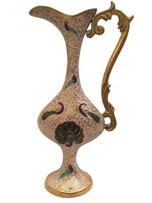 Classy and curvy vase with attractive detailing