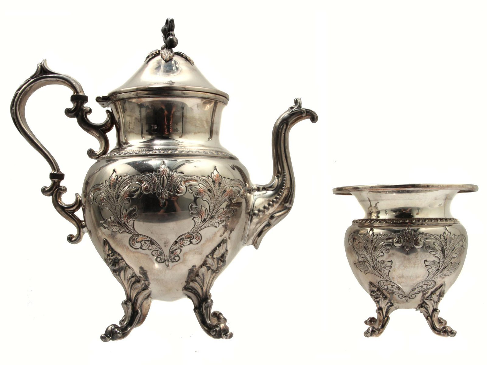 AN ENGLISH SILVER-PLATED COFFEE SET EARLY 20TH C