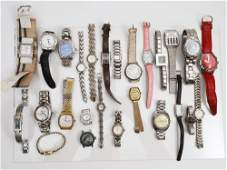 A LOT OF 26 VINTAGE ASSORTED WATCHES