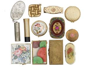 A LOT OF VINTAGE COMPACT AND COSMETIC BOX