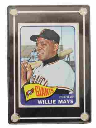 A VINTAGE WILLIE MAYS AUTOGRAPHED BASEBALL CARD