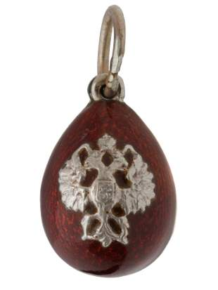 A RUSSIAN SILVER AND ENAMEL EGG PENDANT