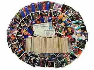 A LARGE SET OF VINTAGE BASKETBALL CARDS