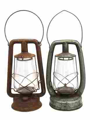 A LOT OF TWO VINTAGE LANTERNS LAMPS