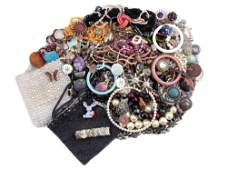 A LARGE LOT OF VINTAGE CUSTOM JEWELRY ITEMS
