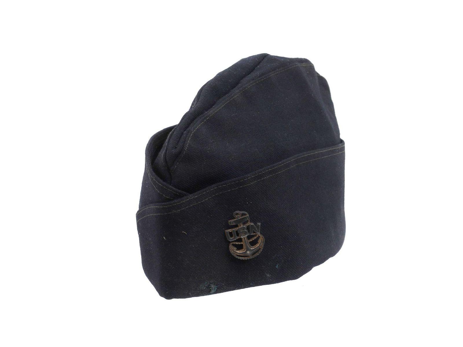 AN ORIGINAL U.S. WWII NAVY GARRISON HAT