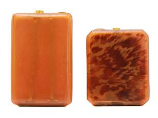 A PAIR OF VINTAGE SHELL CIGARETTE CASES