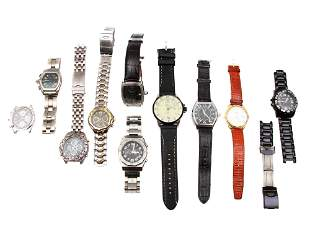 A LOT OF 10 MENS WRISTWATCHES