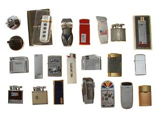 A LARGE LOT OF VINTAGE AND MODERN LIGHTERS 22 PCS