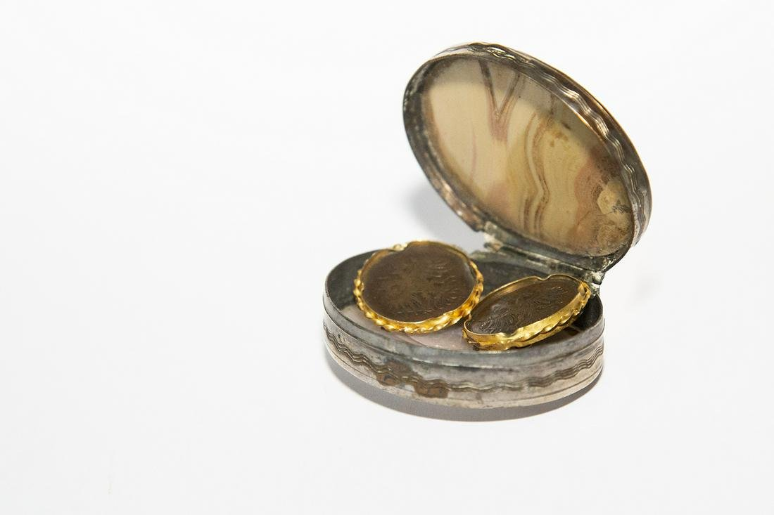 Yellow gold copper coin cufflinks in an agate silver