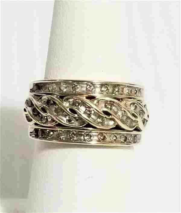 Amazing 10 KT Gold Diamond Ring