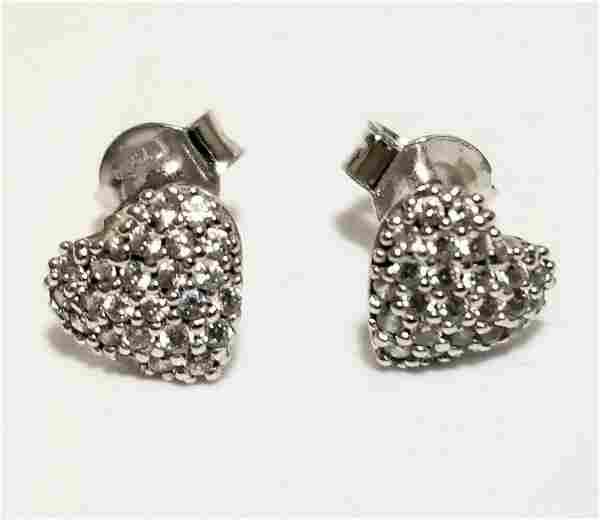Nice 18KT White Gold Diamonds Heart Earrings
