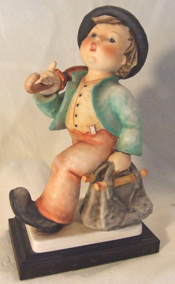 """12: Goeble 12 1/2 inch tall hummel """"Merry Wanderer""""in g"""