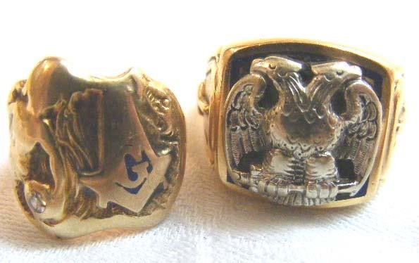 1012: 2 14K gold rings, heavy wear to Masonic ring.  To