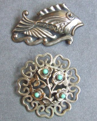 4: 2 Mexican sterling silver brooches, 2.5 inch fish is