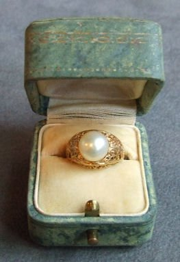 8: 18K Gold & pearl ring, size 6, 8mm pearl, 2.7grams.
