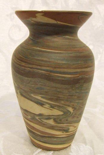 407: Niloak pottery vase, 6' high, shallow flake on top