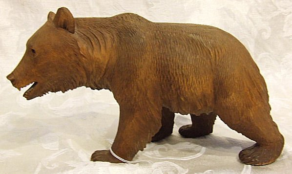 420: Black Forest carved bear in excellent condition, f