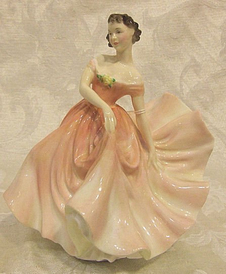"""422: Royal Doulton figurine """"The Polka"""" 2156, excellent"""