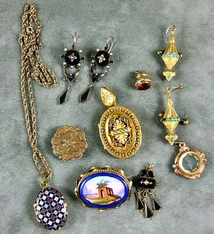109: Lot of Victorian jewelry, 10K gold onyx & pearl ea