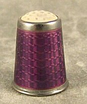 18: Fine quality guilloche enameled sterling thimble, g