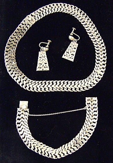"19: Mexican sterling silver jewelry set, 7.75"" bracelet"