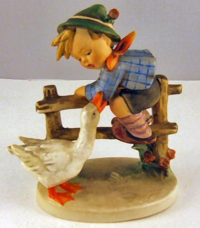 "7: Hummel figurine Barnyard Hero # 195/1, 6"" high, styl"