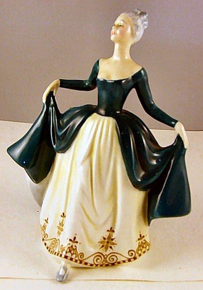 "12: Royal Doulton figurine ""Regal Lady"", HN 2709, 7.75"""