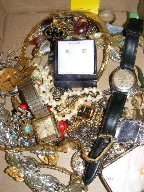 53: Jewelry lot, 14k gold  1/4 caret TW diamond earring