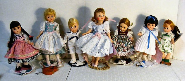 """20: Lot of 7 Madame Alexander """"The Sound of Music"""" doll"""