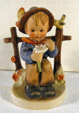 4: Hummel figurine She Loves Me # 174, early stylized b